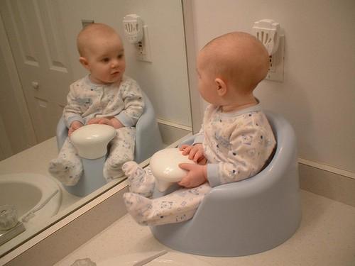 Понос со слизью у ребёнка: причины и быстрое лечение